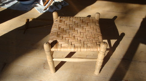 20111126_tukudatakechan_stool_cou_4
