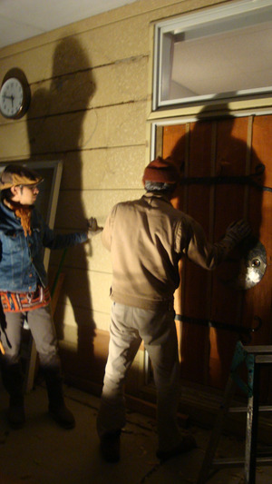 20111214_smoke_and_door_025