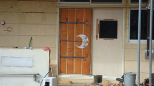 20111214_smoke_and_door_040_2