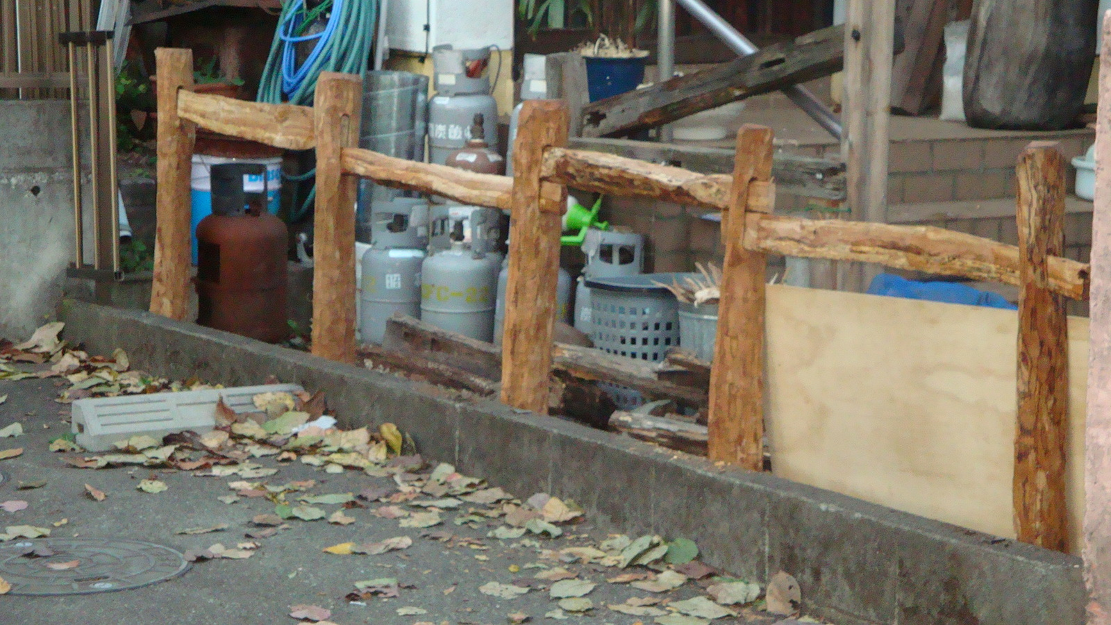 20101110_wooden_fence_006